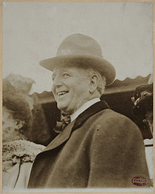 220px-Charles_Comiskey_circa_1910.jpg